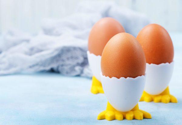 Trứng giúp điều trị gàu do da đầu khô